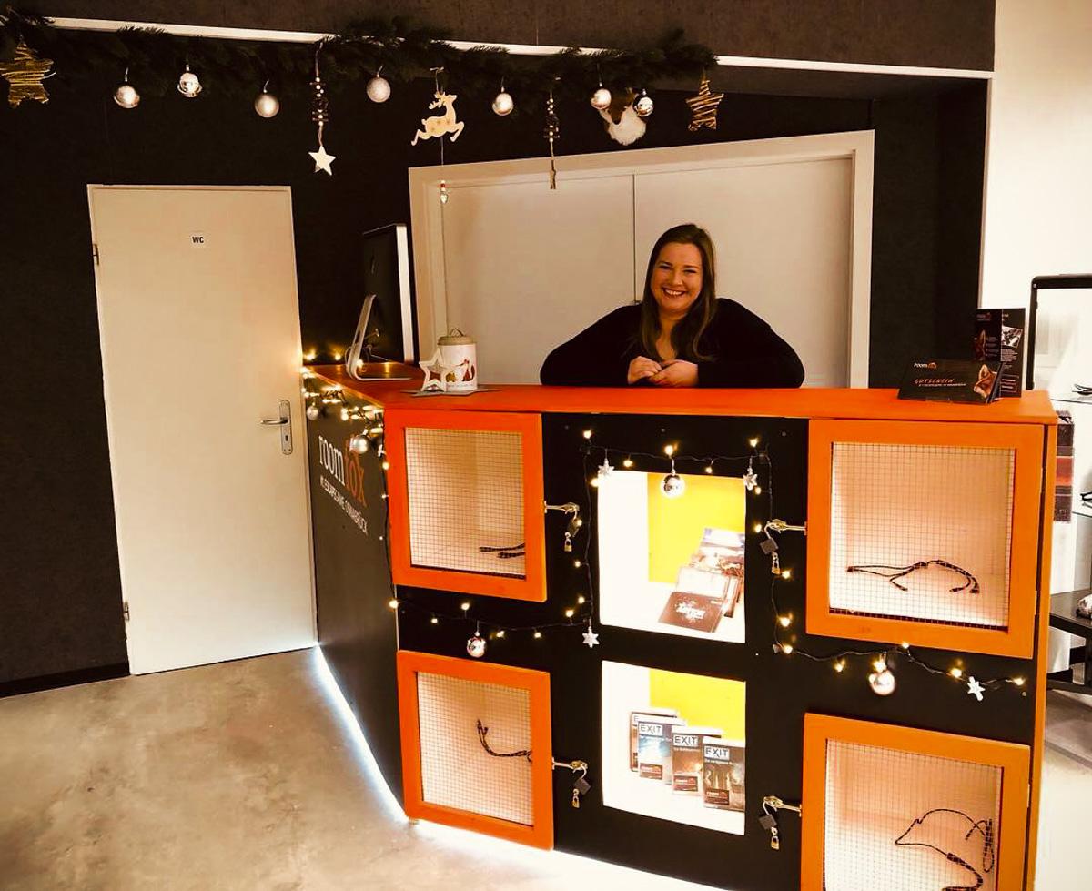 Weihnachtliche Dekoration im Escape Room